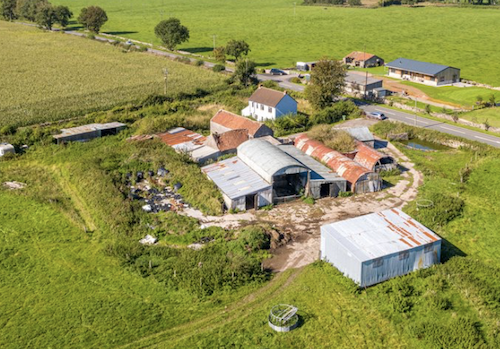 Farm and outbuildinghs and pub for sale